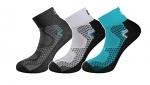 NA OBJEDNÁVKU! Štýlové elastické športové ponožky SOFT v rôznych farebných prevedeniach kombinované s čiernou farbou. Vďaka vláknu Siltex s antibakteriálnym Ag+ odvádza vlhkosť a predlžuje komfort nosenia. Veľ.: 38-48.