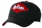 NA OBJEDNÁVKU! Kvalitná značková čiapka so šiltom Lee Cooper. 6-panelová šiltovka s logom Lee Cooper vpredu. Šilt je zo spodnej strany červený. Vzadu je kovová pracka na zapínanie. Materiál: 100% bavlna. Veľkosť: univerzálna
