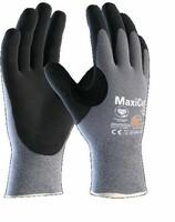 Neporezné rukavice ATG MaxiCut OIL 44-504 máčané v nitrilovej pene